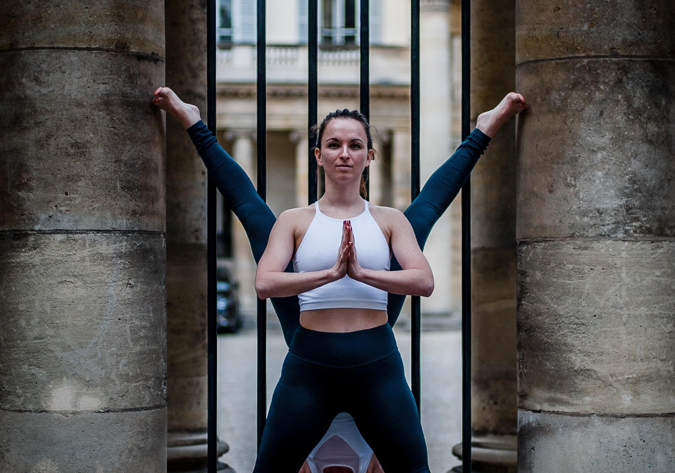 Urban YogaGraphy - Claire Saintard